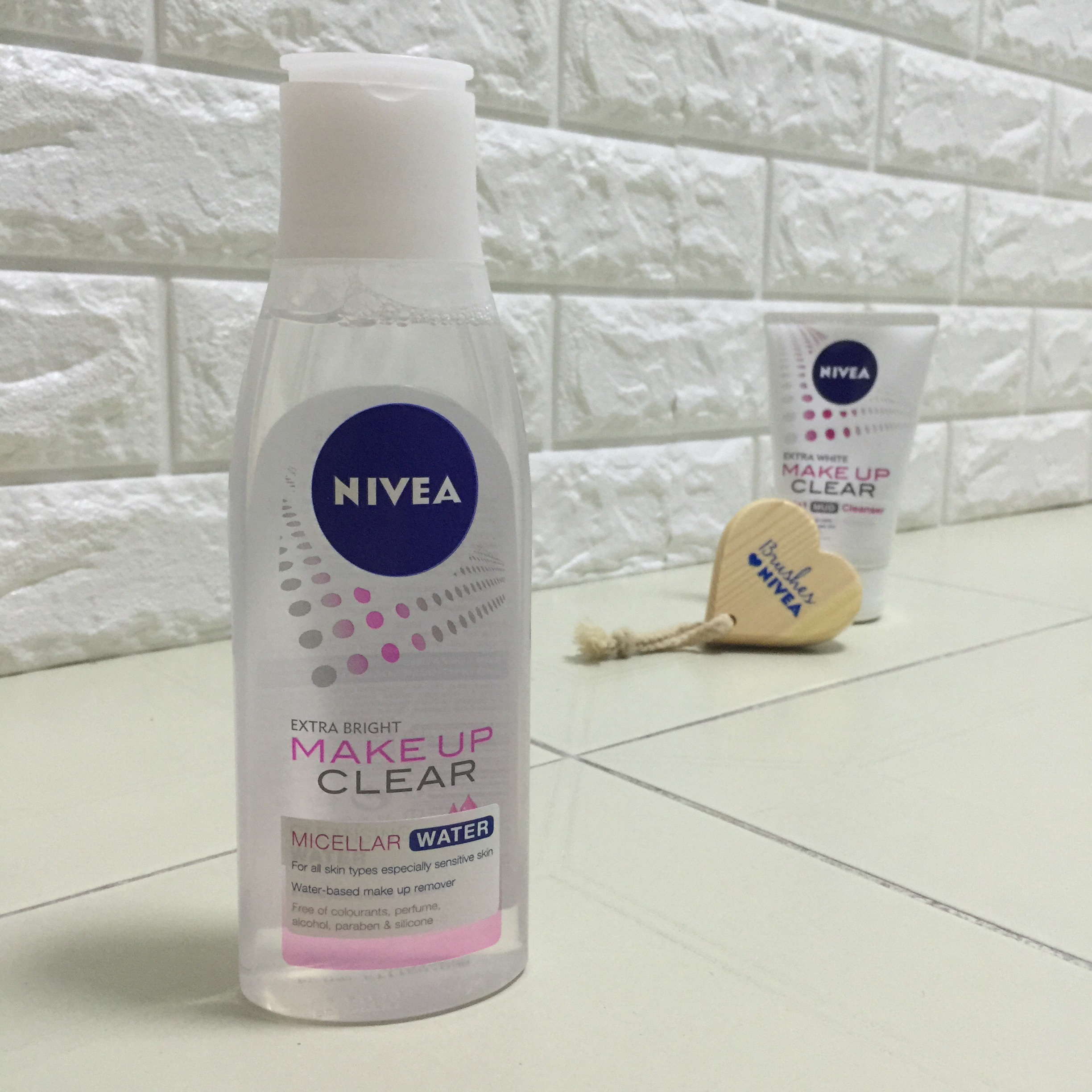 Nivea Extra Bright Make Up Clear Micellar Water Tempted To Love 2 In 1 White Foam 100ml